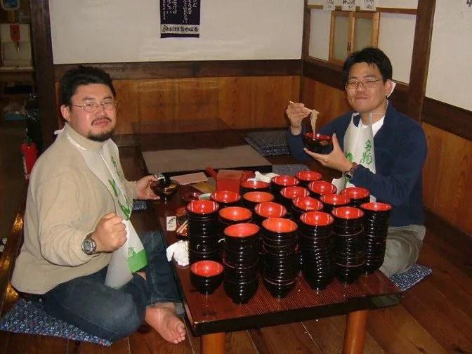 150杯+123杯=273杯のわんこが並ぶ