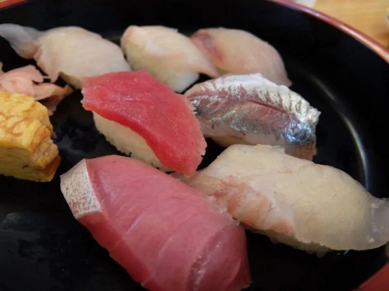 朝獲れ寿司