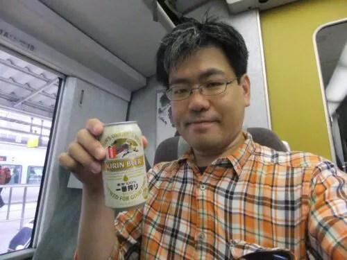 車内で朝ビール