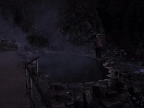 お猿も入る露天風呂