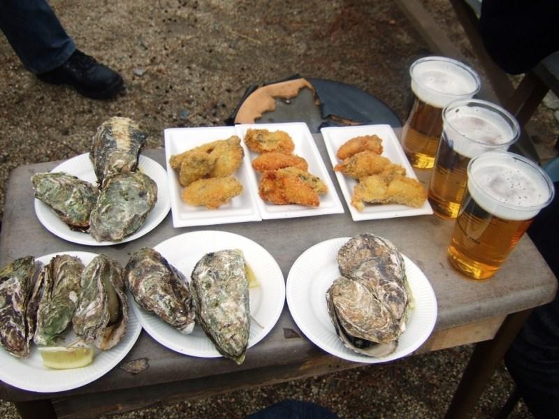 牡蠣の浜焼き、カキフライ、そして生ビール
