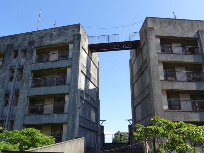 8階建てアパート上部