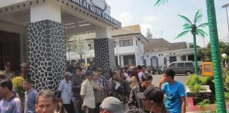 Dilarang Jualan, 70% PKL Lapang Merdeka Menjadi Penganguran