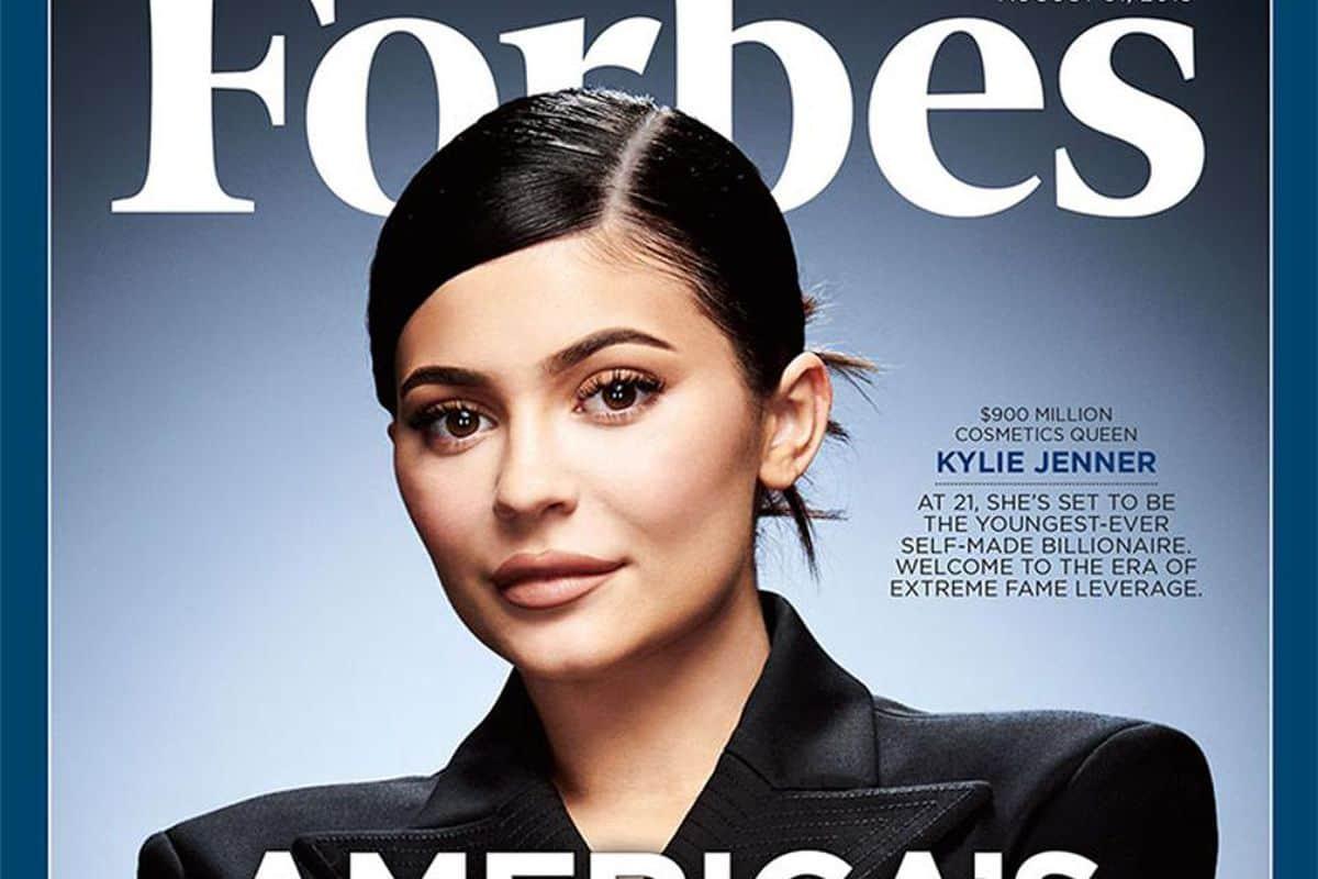 Kylie Jenner est une vraie femme d'affaires. via @awasocial