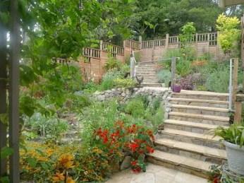 meryls-front-garden-4bc4102776ba588b1956f062b3c48afcd454a746
