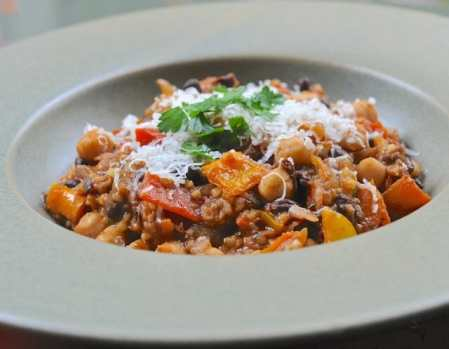 Vegetarian 3-bean chili with bulgur