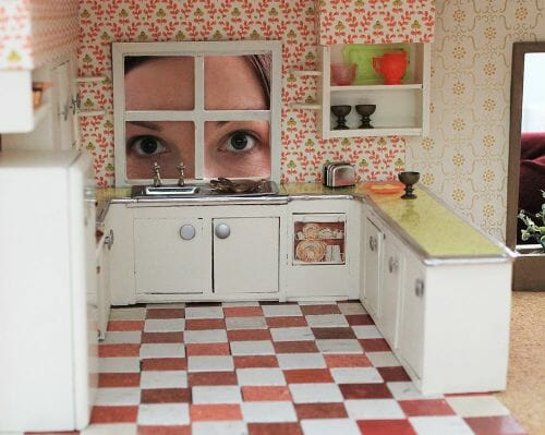 peeking-in-dollhouse-kitchen-500x399