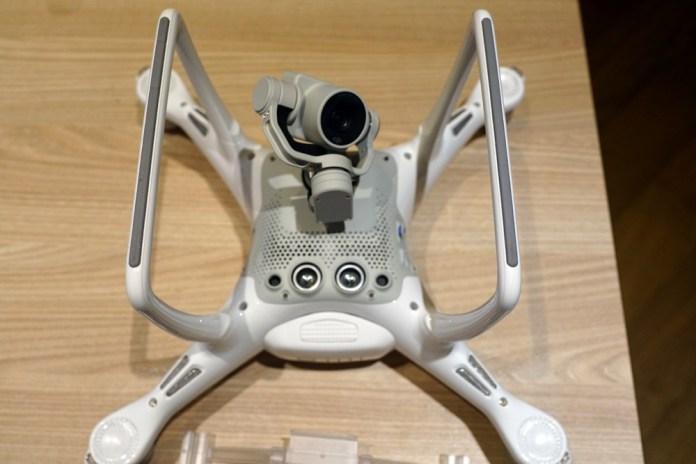 Квадрокоптер DJI Phantom 4 отзыв
