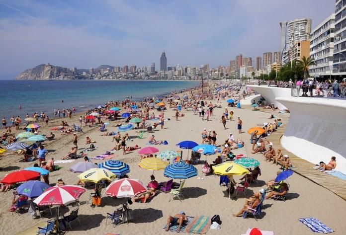 куда поехать отдыхать в августе без визы