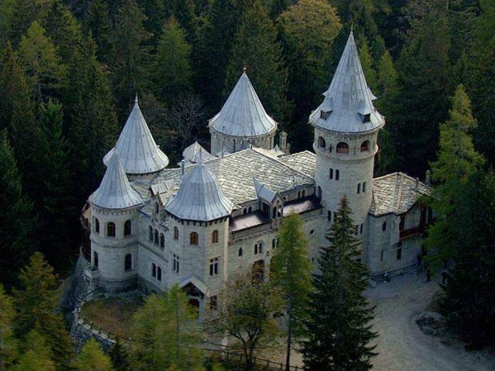 Замки Валле Д'Аоста