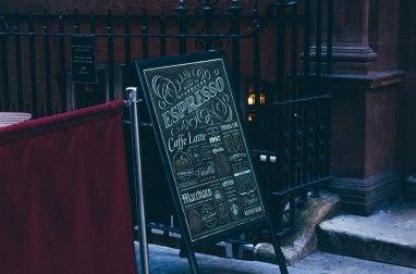 5 бесплатных мокапов вывесок и фасадов (PSD)