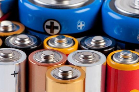 battery-head-credit-Borys-Shevchuk
