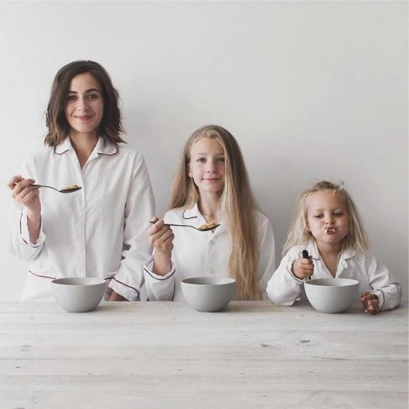 Mãe e filhas em fotos divertidas (11)