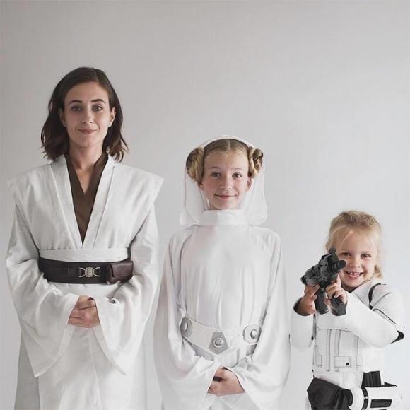 Mãe e filhas em fotos divertidas (12)