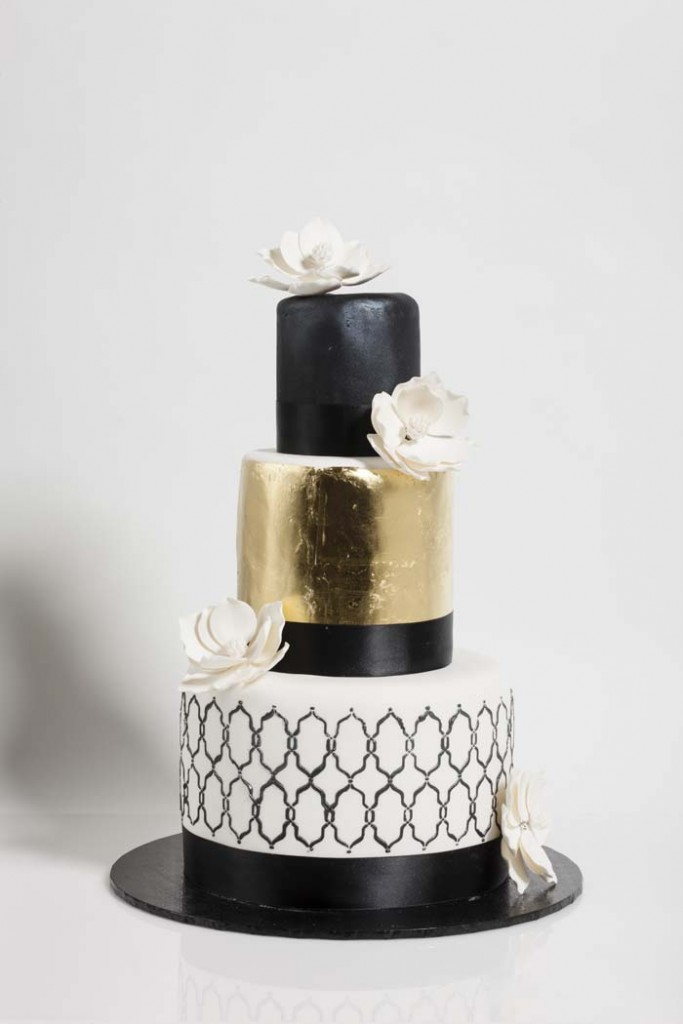 Modern Gold and Black Wedding Cake   A Wedding Cake Blog Modern Gold and Black Wedding Cake