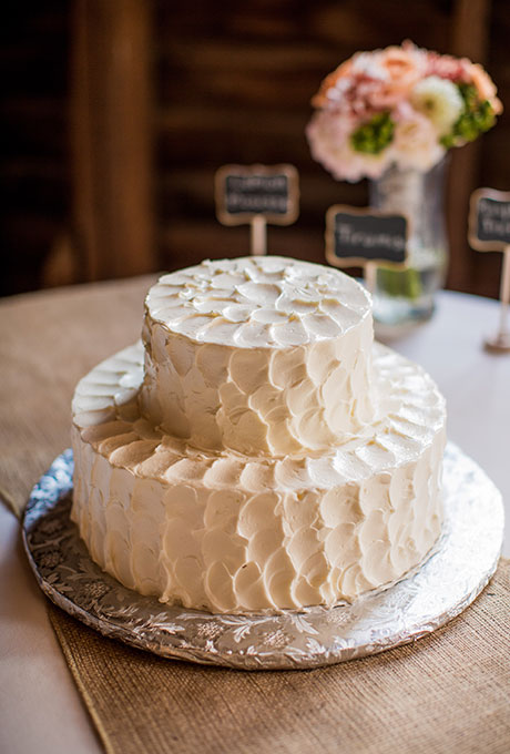 The Modification Of 2 Tier Wedding Cakes Ideas