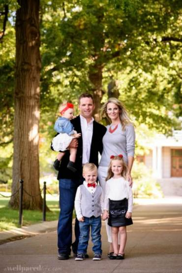 mix & match outfits for her that are perfect for fall family photos