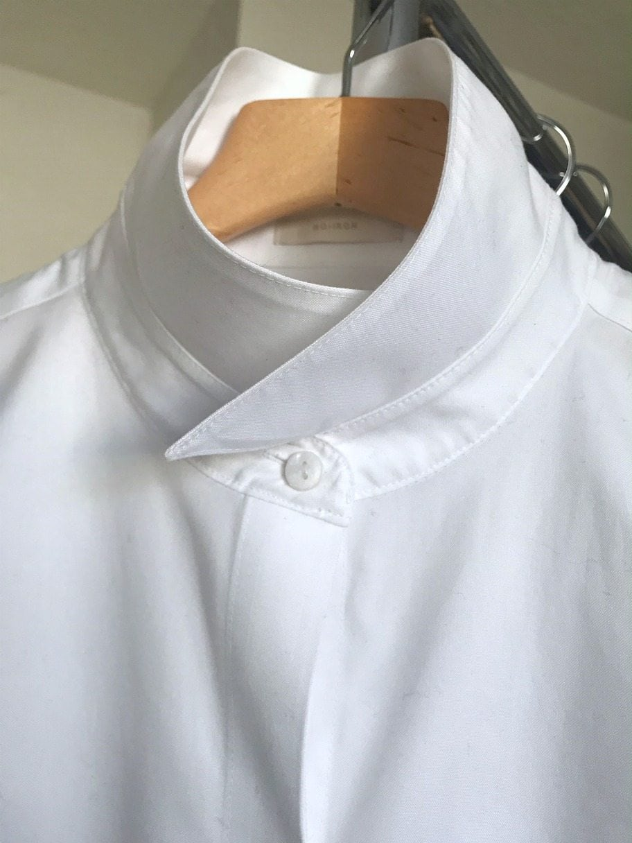 How to hang a popped collar on A Well Styled Life