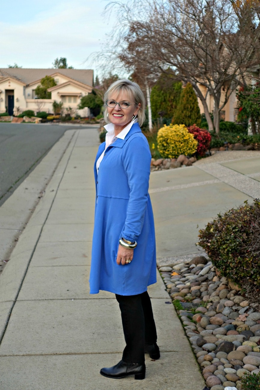 Jennifer of A Well Styled Life wears Bee Jacket from Artful Home in Periwinkle blue over a white shirt and black jeans