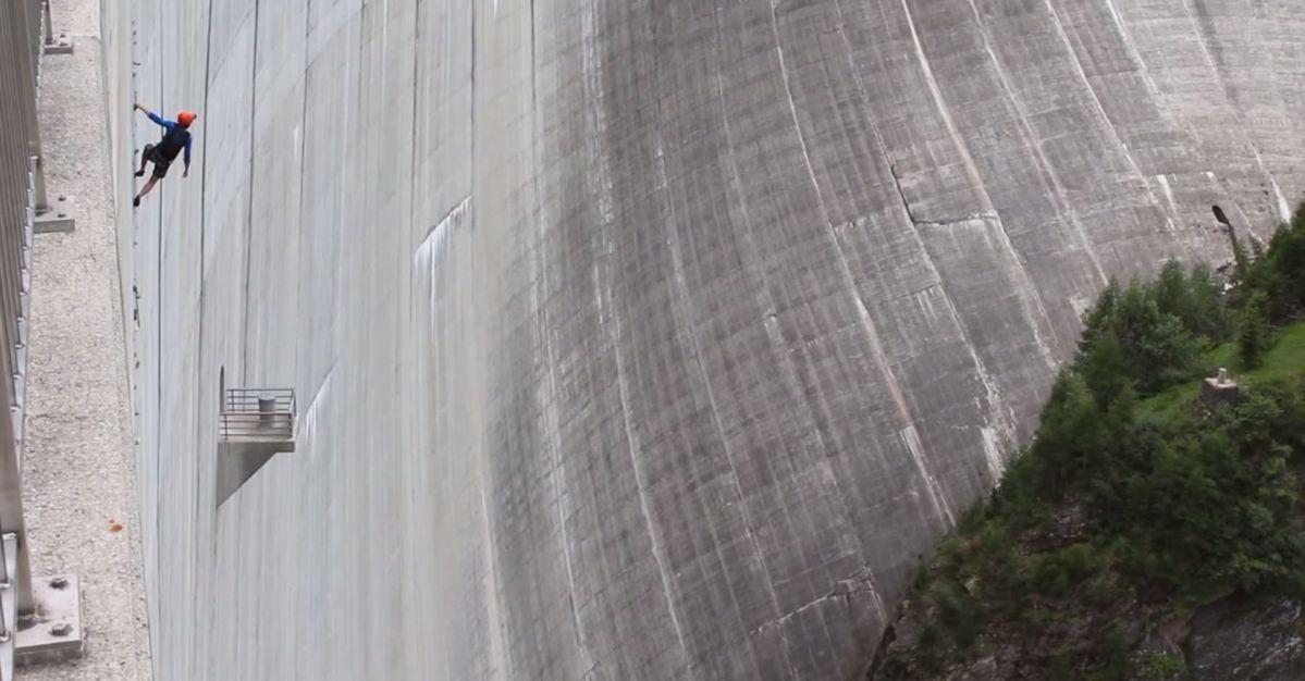 Die höchste künstliche Kletterwand der Welt!