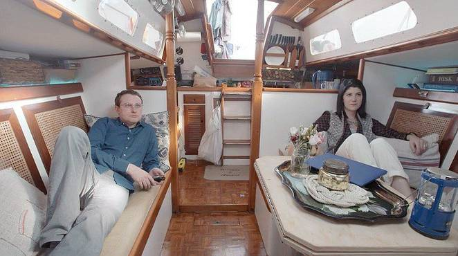 House-Boat-video1.jpg.662x0_q70_crop-scale