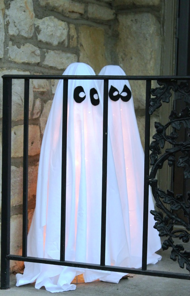 11 Awesome And Scary Halloween Ghost Decorations Awesome 11