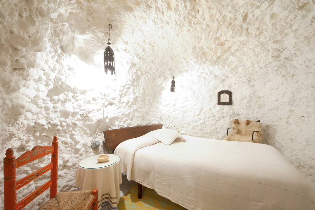 Best Places to Stay in Granada: sleep in a cave