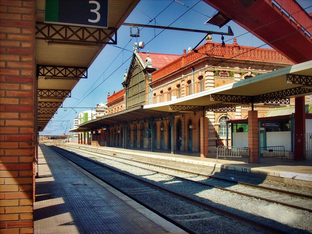 Getting to and around Andalucia by Train: train station Almeria