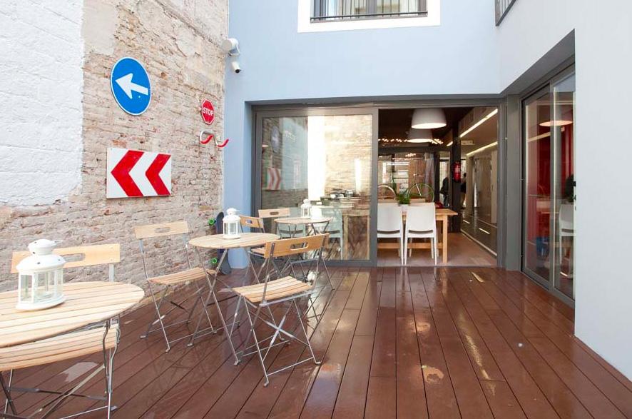 10 Best Barcelona Hostels: best affordable places to stay in Barcelona Spain: sant jordi hostel