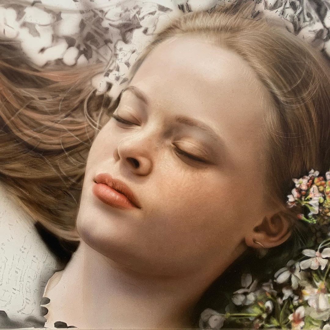 Airbrush Artist Achieves Global Fame For Her Stunning Portraits 10