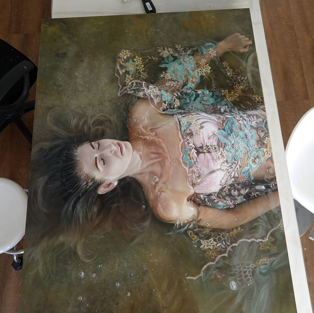 Airbrush Artist Achieves Global Fame For Her Stunning Portraits 7