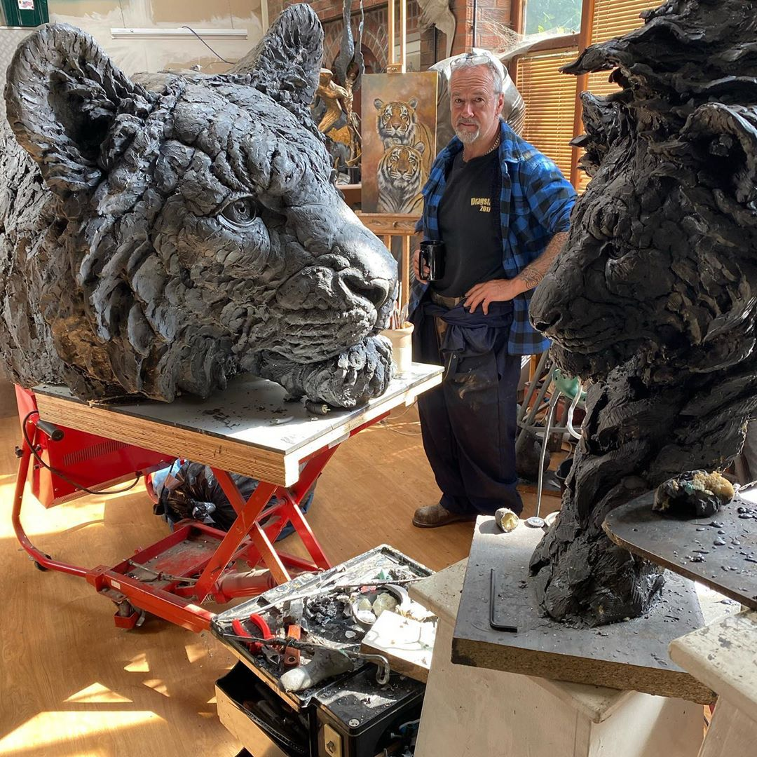 Self-Taught Sculptor Gains World Recognition For Stunning Bronze Sculptures 6