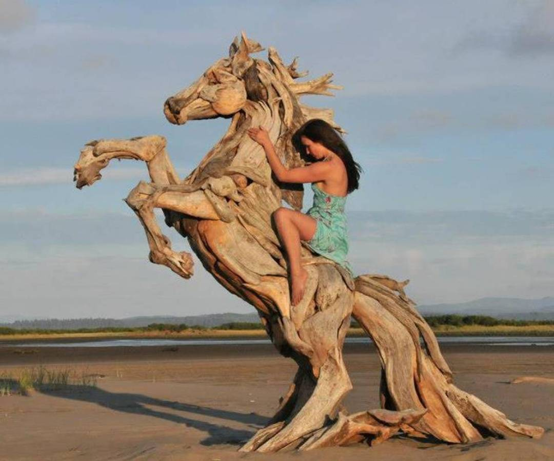 Wood Artist Creates Stunning Animal Sculptures Using Only Salvaged Wood 2