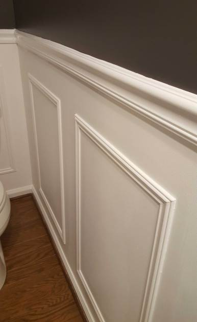 Wainscoating Powder Room Wall Painted BM Chantilly Lace