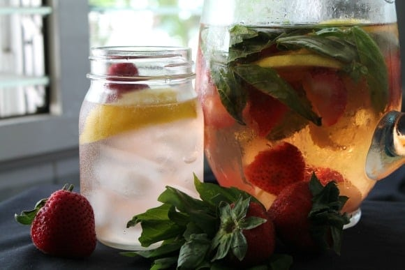 Strawberry Lemon & Basil Infused Water | How to be Awesome on $20 a Day