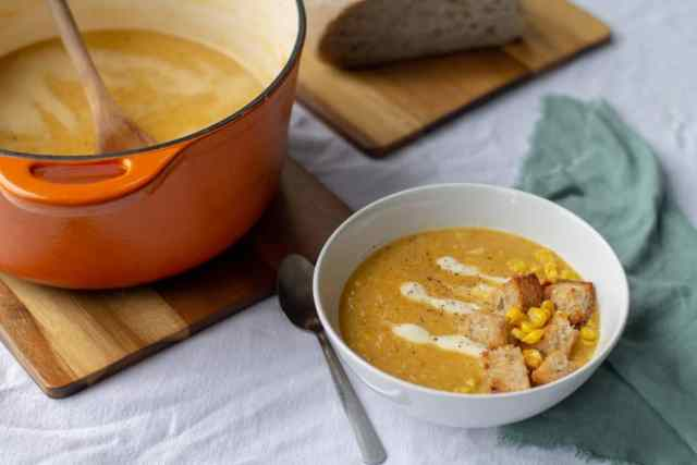 Vegan Sweet Corn & Roasted Bell Pepper Soup