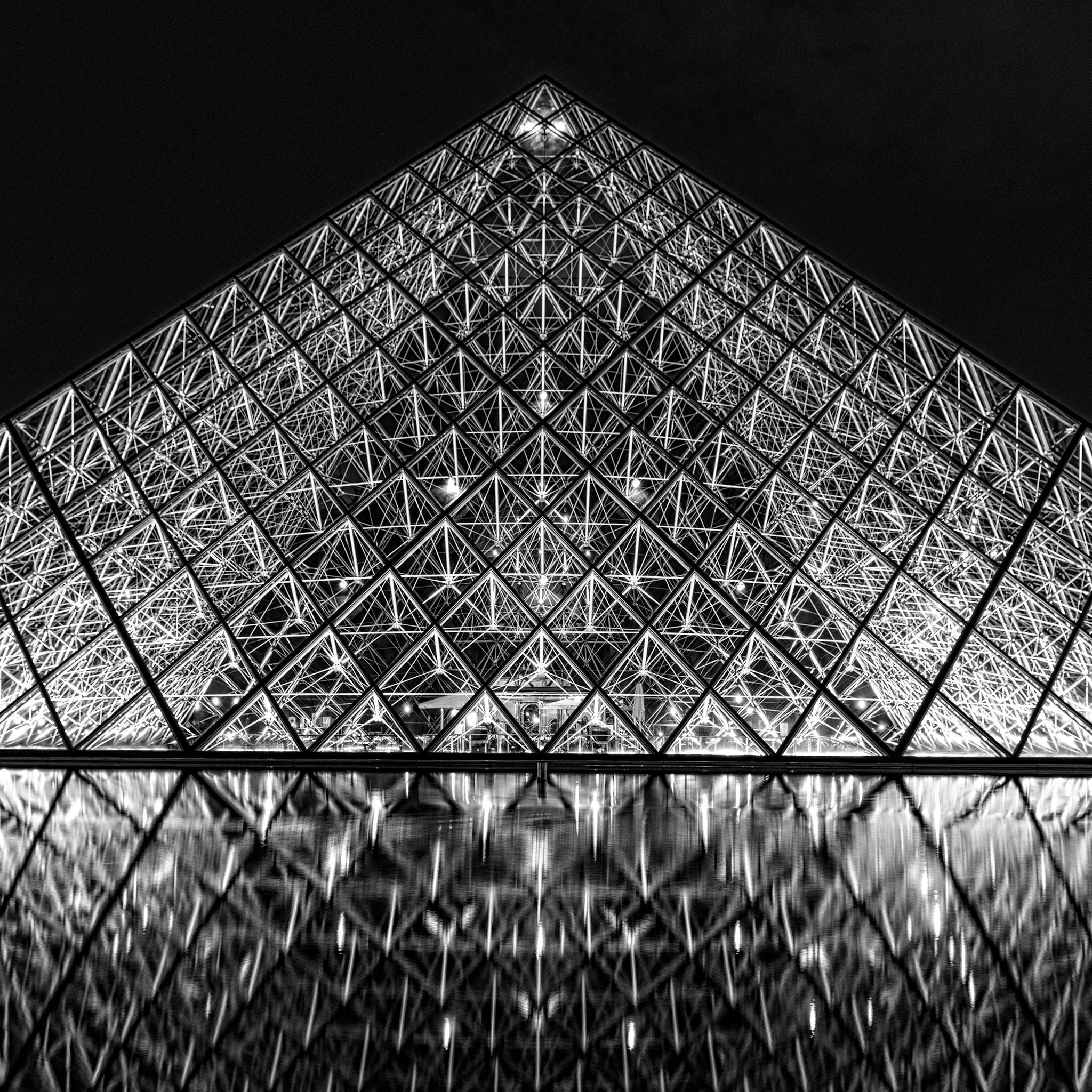 B&W Louvre Pyramid
