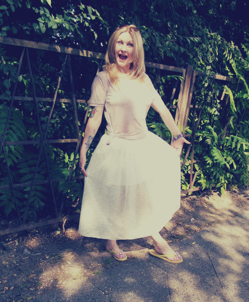 my 10 minute tulle skirt: a dainty DIY