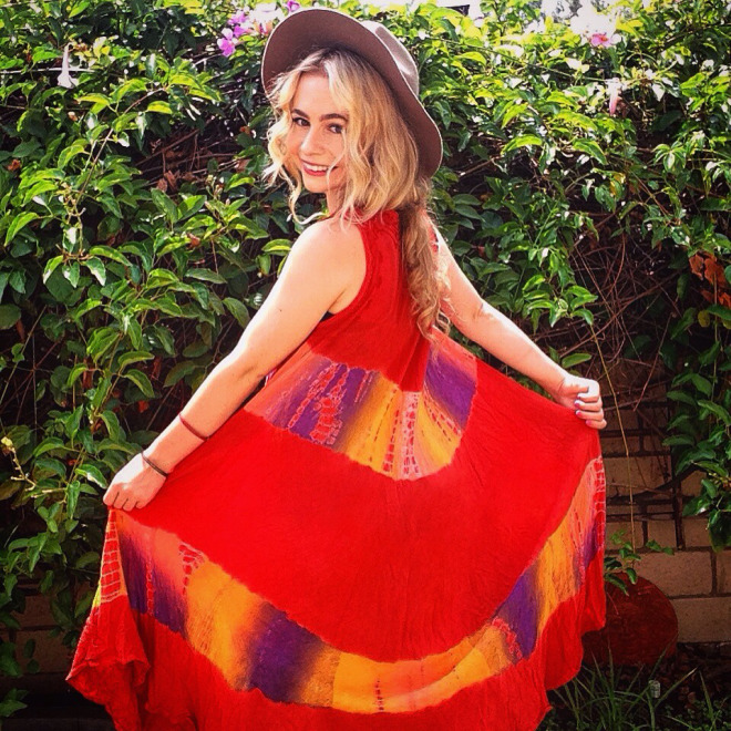 Thrifty tie dyed dress ootd - Sustainable daisy