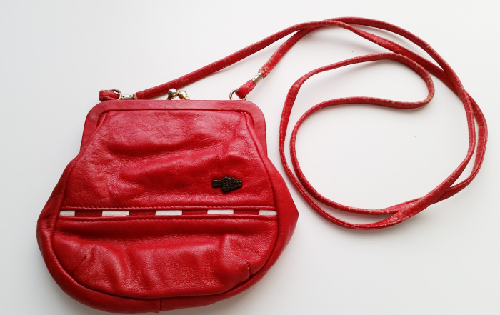 2 easy ways to recover a vintage bag strap