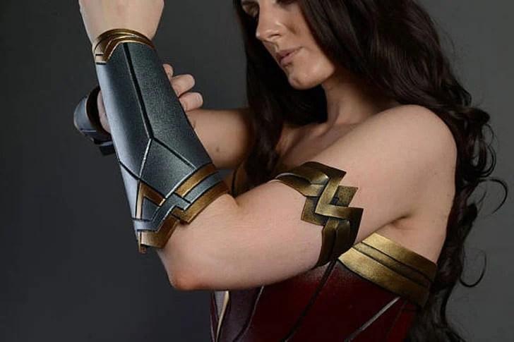 Termine o cliente feito a fantasia do cosplay das mulheres da maravilha
