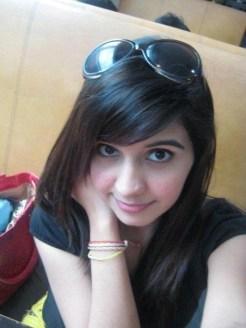 Chaman-Cute-Innocent-Girl-Wallpaper