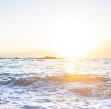 morning sun on beach mobile