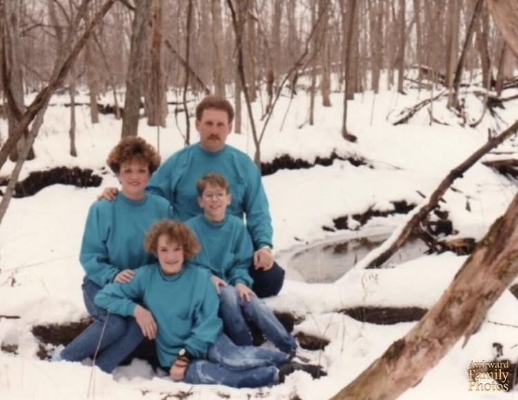 Funny Family Portraits   Awkward & Bad Family Portraits