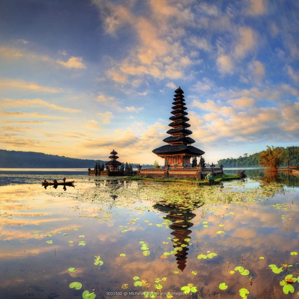 Indonesia, Bali, Bedugul, Pura Ulun Danau Bratan Temple on Lake Bratan