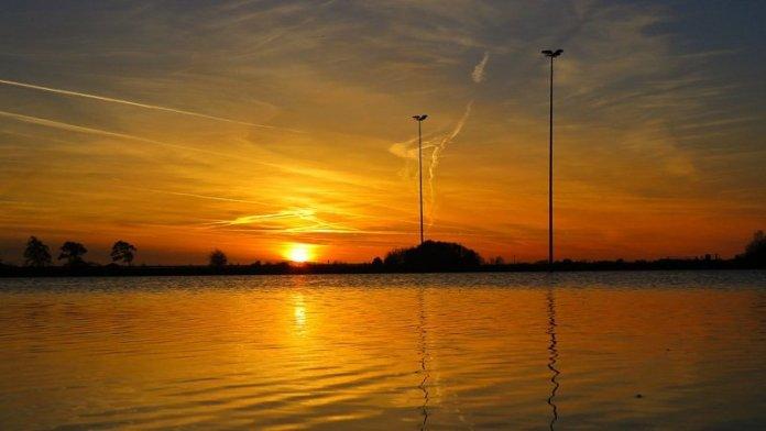 ook Jannes Wiersema maakte een fraaie foto van de ondergaande zon.