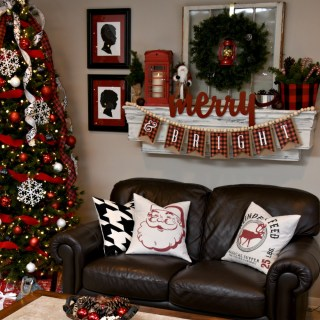 DIY Spray Painted Christmas Pillows