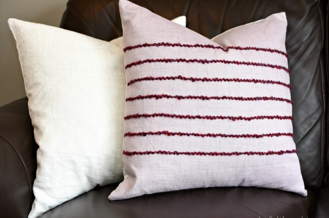 How to Easily Add Texture to a DIY Pillow   awonderfulthought.com