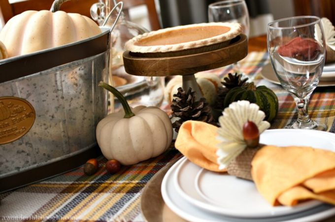 Thanksgiving Tablescape with Traditional Fall Colors. Perfect table setting for fall as well | awonderfulthought.com #tablescape #Thanksgiving #falltablescape