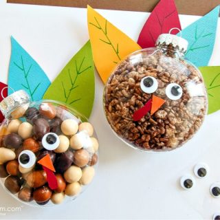 Thanksgiving DIY Crafts | awonderfulthought.com
